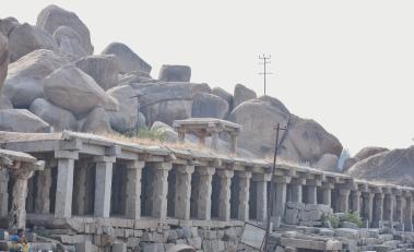 Series of pavillions on the banks of Chakra Theertha