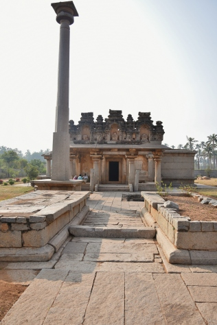 North facing Ganagitti Jain temple or Kunthanatha Jinalaya (17th Thirthankara of Jainism) built by Irugappa Dandanayaka,commander-in-chief of Harihara II in 1386AD.