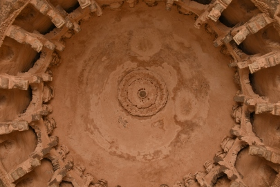 Ceiling architecture of one of the chambers of Elephant stable having round dome.