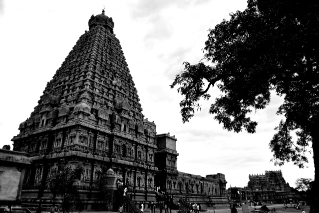 DSC_0612 - Rare Black and White view of the South side of Brihadheeswara - from Ganesha shrine to Rajaraja gopuram.