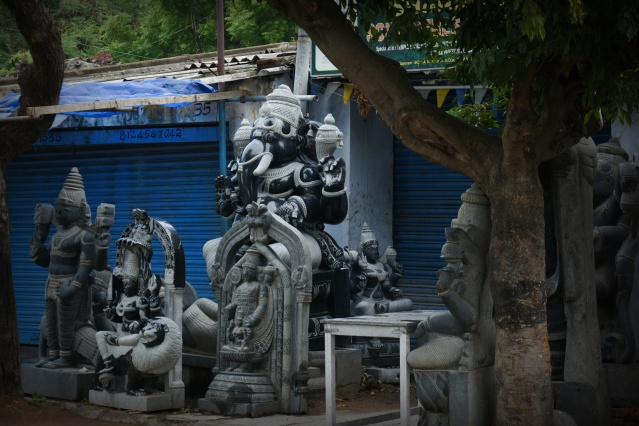 DSC_9215 - Sculpture workshops of Mahabalipuram street.