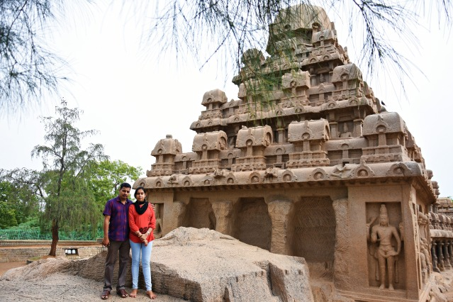 DSC_9229 - Sreeji chettan and Lekshmy chechi standing near Dharma raja ratha.