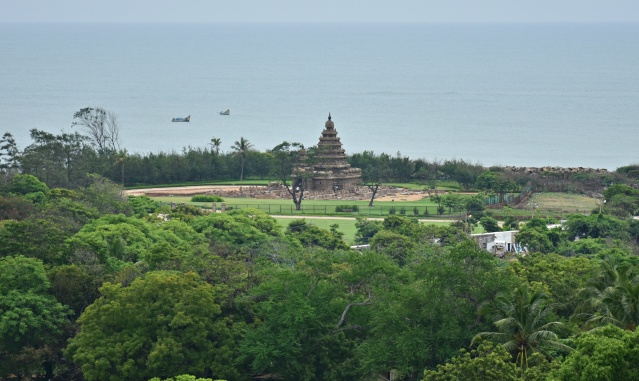 DSC_9376 - Long view of Shore temple on the northeast side of old lighthouse.