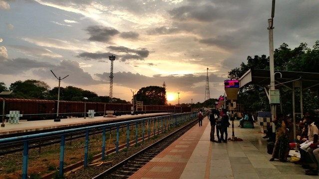 C360_2018-08-30-18-14-15-410 - Sunset viewing from Thanjavur railway station.