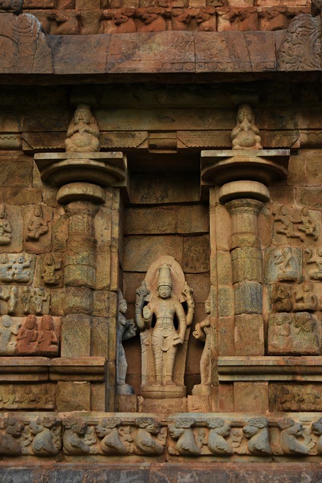 DSC_0023 - Image of Harihara (half Shiva, half Vishnu) - West side.