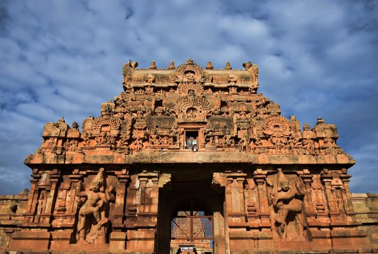 DSC_0170 - Full view of the east face of Rajarajan Gopuram.