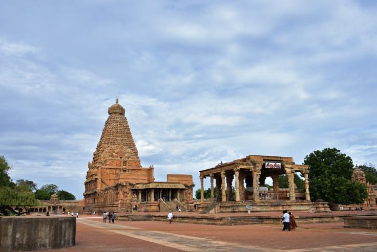 DSC_0212 - Marvellous view of Sri Vimana and Nandi mantapa of Thanjavur Brihadeeswara temple - SE corner.