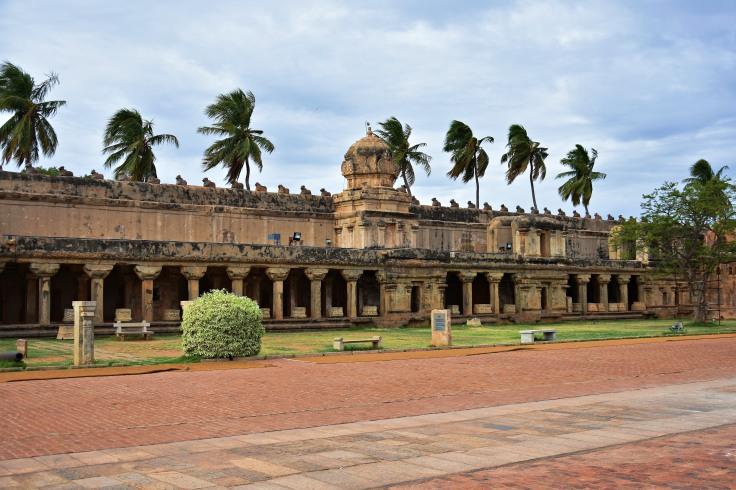 DSC_0258 - South side Cloister mandapam of Brihadeeswara, Thanjavur.An interpretation centre is functioning there.
