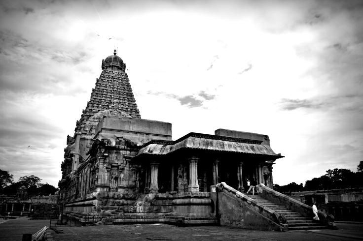 DSC_0261 (1) - Sri Vimana and main sanctum (16 tiers),Ardhamandapa,Great hall,Mukhamandapa - Brihadeeswara.