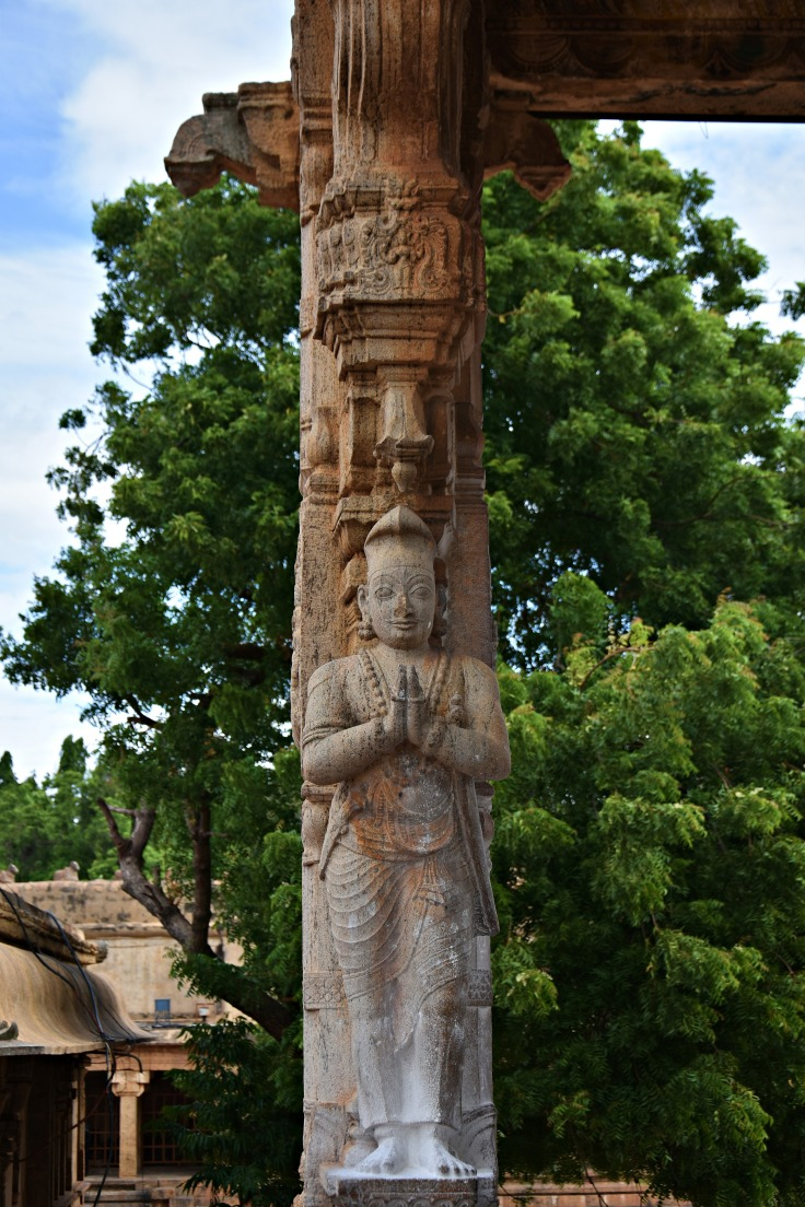 DSC_0307 - A welcoming figure found on the pillars of Nandi mandapa (NW corner).