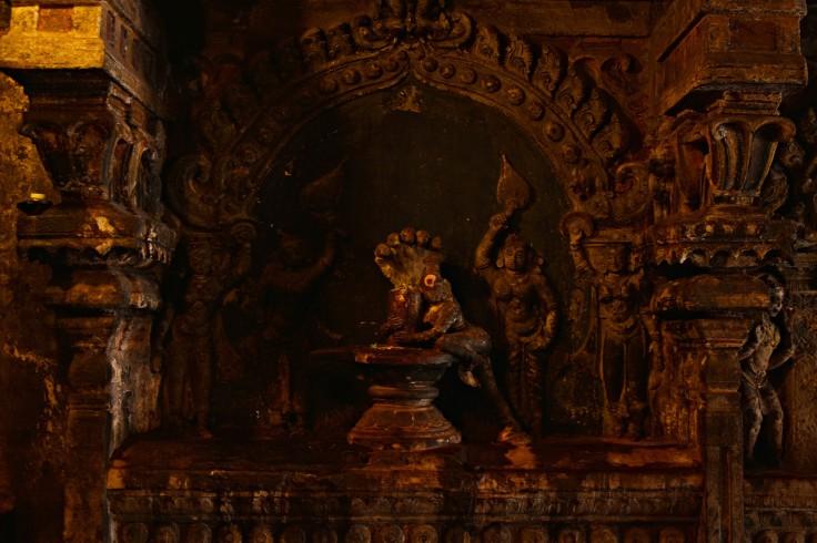 DSC_0314 - Parvati tightly holding Shiva lingam -Ravananugraha legend.'Ravana lifting Kailasa'.E wall of Great hall - Amman.
