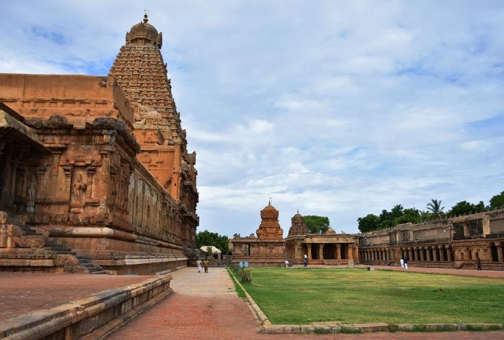 DSC_0334 - North side of Brihadeeswara temple complex.South facing Chandikesvara and east facing Karthikeya shrines visible.