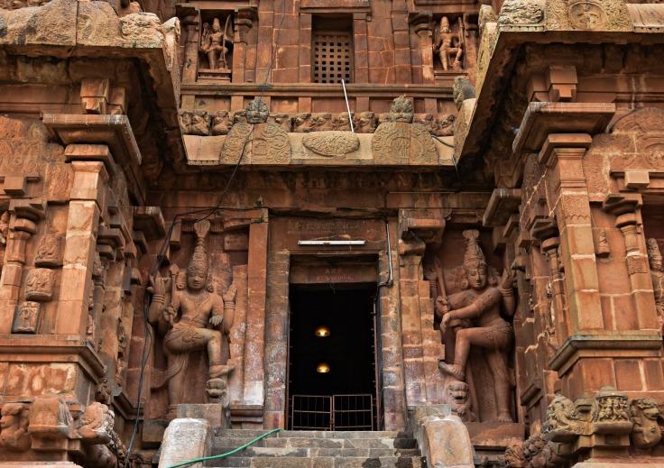 DSC_0377 - Anukkan Tiruvayil - North entrance of Brihadeeswara temple.Ashtamangala signs found in this entrance.
