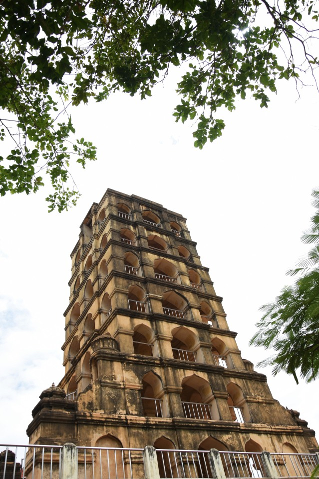 DSC_0403 - 7 storey Bell tower (Maadamaligai) in the NW side of Arsenal tower of Thanjavur Palace.Gets a bird's eye view.