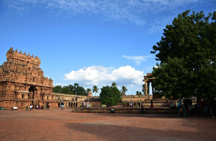 DSC_0459 - Beautiful evening sky from Thanjavur Brihadeeswara temple complex - North side.Rajarajan gopuram is visible.
