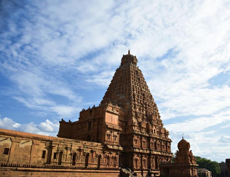 DSC_0473 - Quadrangle Sri Vimana of 216ft,13 tiers above 3 tiered square sanctum - Evening view from NE corner.