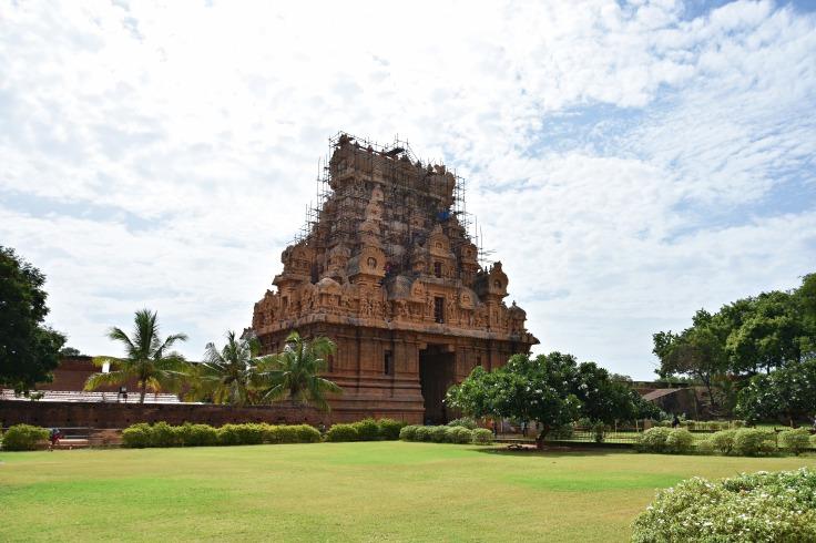 DSC_0759 - View of Keralanthagan Gopuram from NW corner of Temple garden.