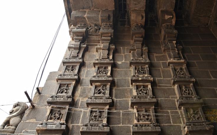DSC_9702 - 108 Karanas of Bharatamuni's Natyashastra displayed on the inner side of Eastern gopuram.