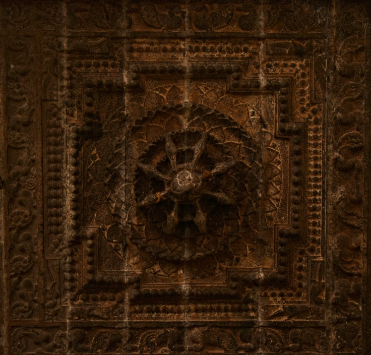 DSC_9726 - Lotus motif design on the ceiling.