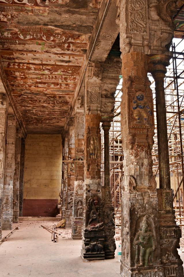 DSC_9779 - Pillars of Shivakama Sundari Amman temple - West of Shivaganga sacred pool.