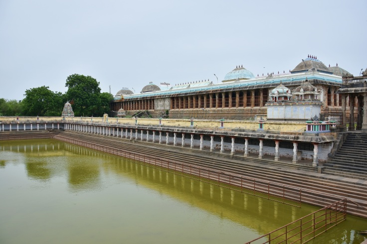 DSC_9807 - 1000 pillared hall on east and Shivgangai pool of Thillai Nataraja temple, Chidambaram.