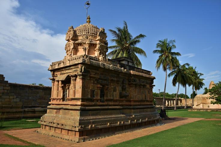 DSC_9892 - East facing Kali temple on the north side - Brihadisvara temple complex.