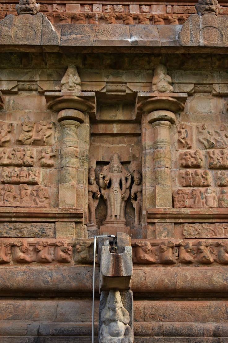 DSC_9927 - Image of Brahma displayed above pranala of main sanctum - Brihadisvara