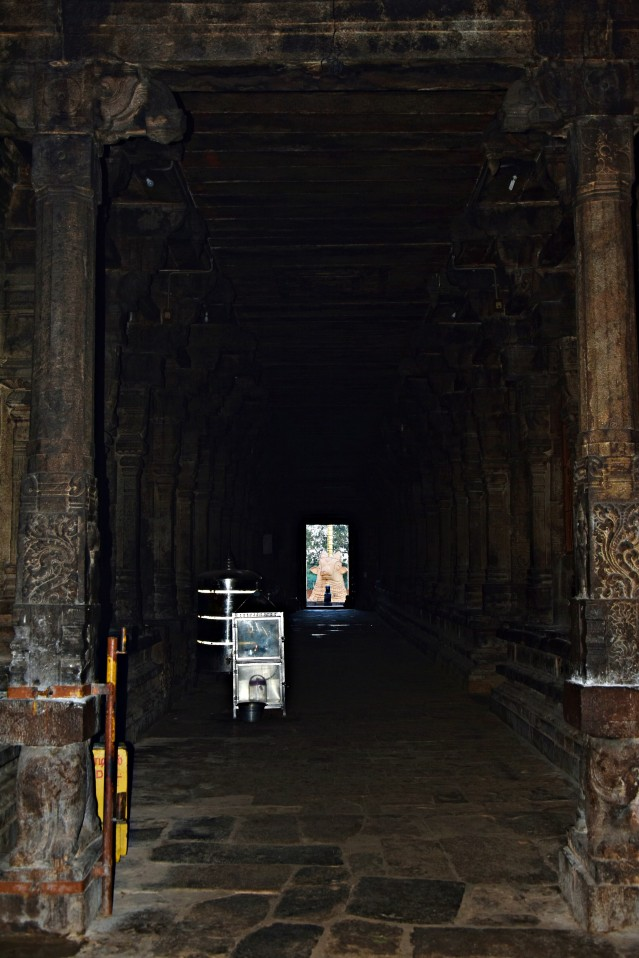 DSC_9938 - About 200ft long Great hall and Nandi statue in its front facing main shrine.