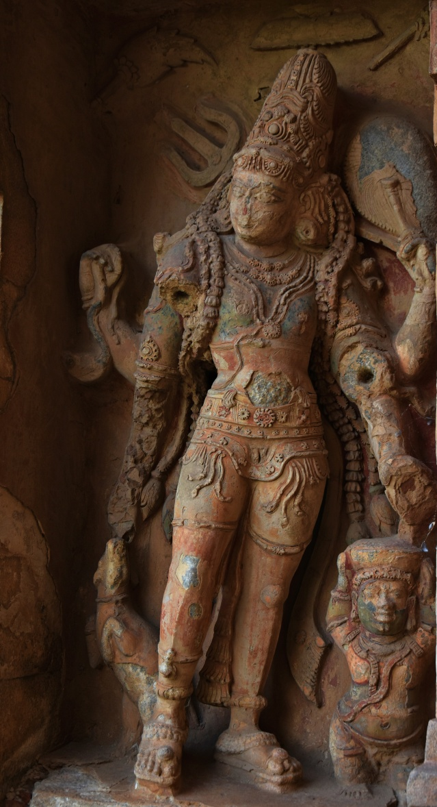 DSC_9972 - Kankaladhara with six arms in tribhanga pose - South entrance.