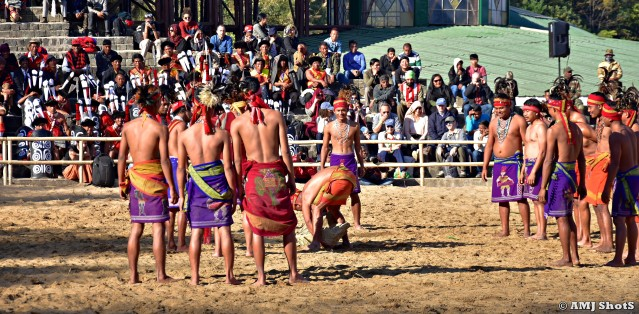DSC_2231 Garo tribe showing an indigenous stone lifting game - Ro'ong Dea.