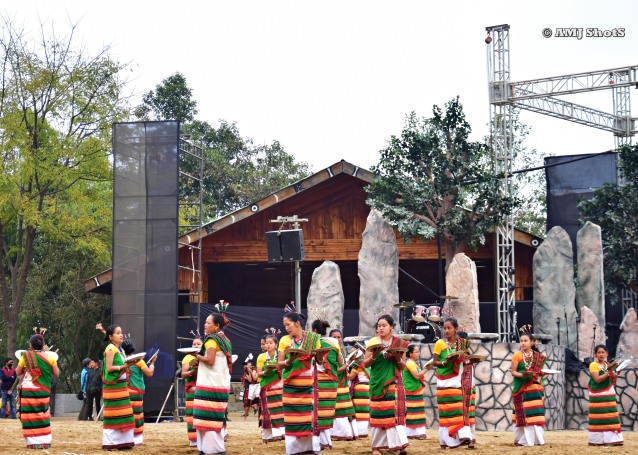 DSC_2788 Kachari Tribe performing Bai - Maijai (Dance of Rice - Sieve or Plate).