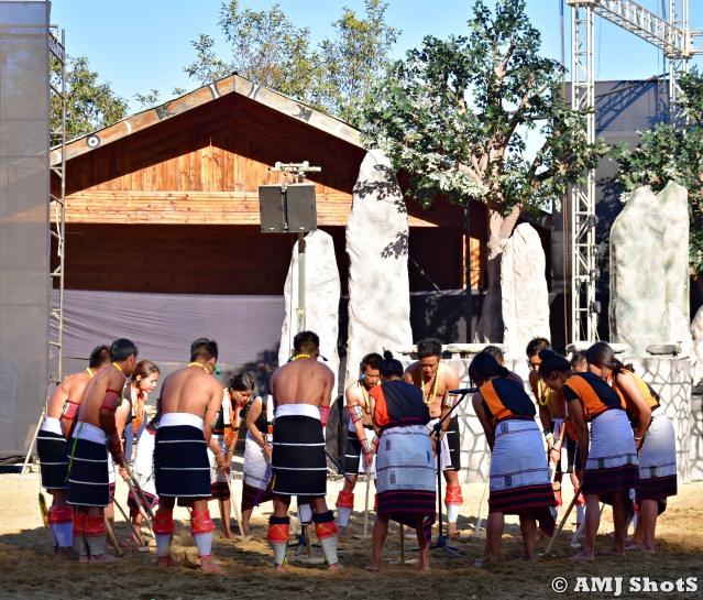 DSC_3732 Angami tribe performing their Rice Pounding Song.